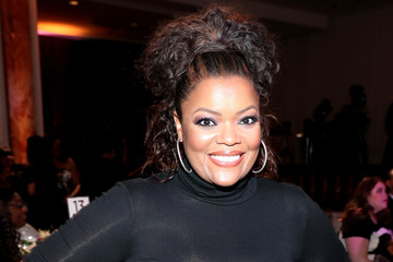 Yvette Nicole Brown Essence Black Women In Hollywood Awards - Inside
