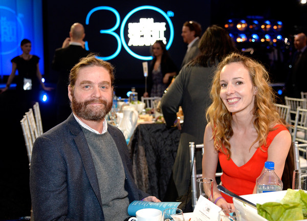 Zach Galifianakis And Quinn Lundberg Photos Photostream Pictures 2017 Film Independent Spirit Awards Backstage Aunce