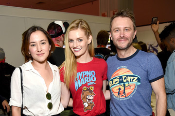 Zelda Williams Nintendo Hosts Celebrities at 2017 E3 Gaming Convention