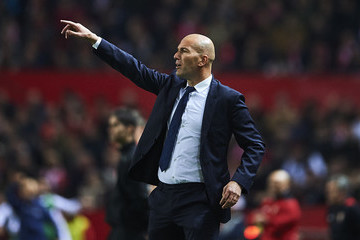 Zinedine Zidane Sevilla v Real Madrid - Copa del Rey: Round of 16 Second Leg