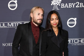 Zoe Saldana Paul Mitchell Presents the 2017 Baby2Baby Gala - Red Carpet