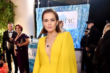 Zoey Deutch Icelandic Glacial at the 77th Annual Golden Globe Awards On January 5, 2020 At The Beverly Hilton