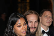 Zoe Saldana and Marco Perego during the amfAR gala dinner at the house of collector and museum patron Eugenio López on February 5, 2019 in Mexico City, Mexico.