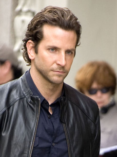 Bradley Cooper dated Renee Zellweger - Bradley Cooper Girlfriend ...