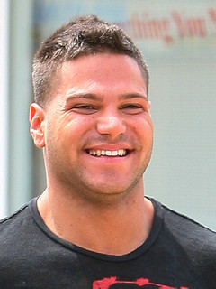 The 31-year old son of father Ronald Magro and mother Constance Ortiz, 170 cm tall Ronnie Ortiz-Magro in 2017 photo