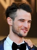 Tom Sturridge Sienna Miller engaged