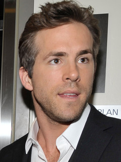 Ryan Reynolds Ryan Reynolds on Ryan Reynolds Or Taylor Lautner   Who S The Best Male Actor    Zimbio