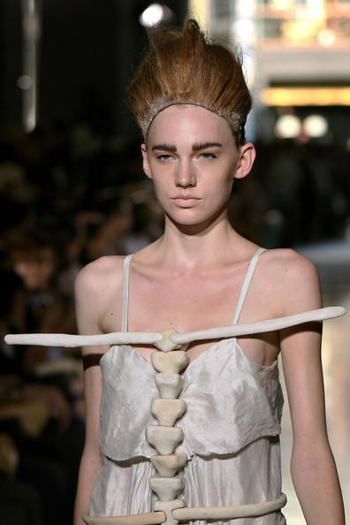 Spring/Summer 2009 collection designed by Hisui on the catwalk on the