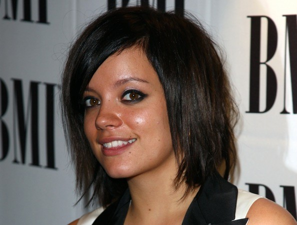 British songbird Lily Allen has a super-cute choppy bob.