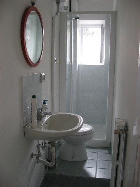 Small Bathroom Design Article : How to properly decorate a small bathroom decorating ideas zimbio