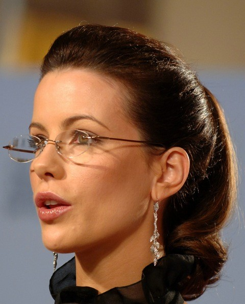 Black Frame Glasses Celebrities Wear : Celebrity Spectacles: The Hottest Lenses in Hollywood ...