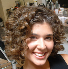 Find Suitable Short Curly Hairstyles pictures