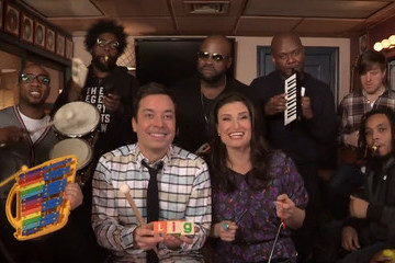 Idina Menzel Looked Much Happier Performing 'Let It Go' With the Roots on 'The Tonight Show'