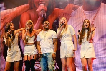 Taylor Swift and Haim Break It Down with Nelly to 'Hot in Herre'