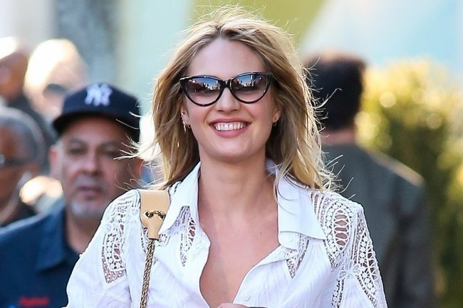 Do You Like Candice Swanepoel's '90s Shopping Style?