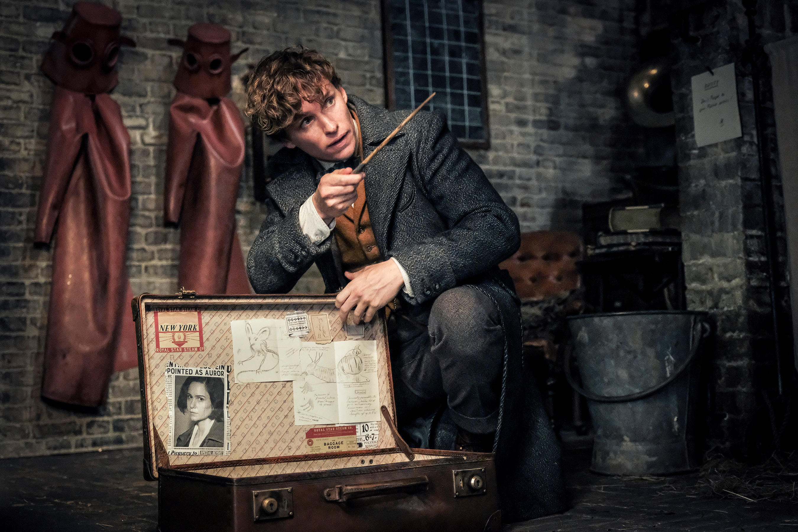 Dozens Of 'Harry Potter' Connections Can't Save 'Fantastic Beasts: The Crimes of Grindelwald'