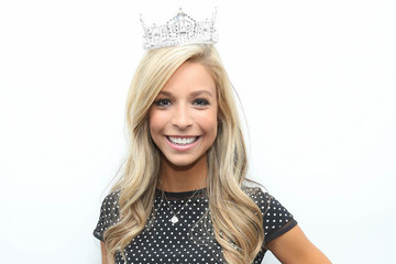 Miss America Never Leaves Home without Her Crown