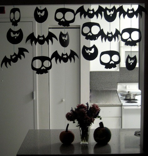 10 spooky diy halloween decorations to try this weekend paper crave - Paper Halloween Decorations