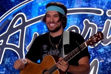 Carlos Santana's Nephew Plays Guitar with a Hand Cast and Wows 'American Idol' Judges