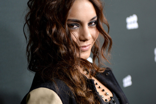 Curly Hair Ideas: Vanessa Hudgens' Loose Side Braid