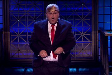 Josh Gad Performed 'I Touch Myself' Dressed as Donald Trump, and the World Is Now Complete