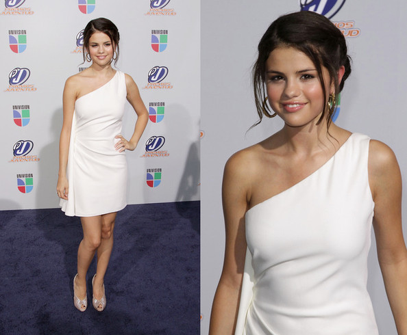 Look of the Day: Selena Gomez in Reem Acra