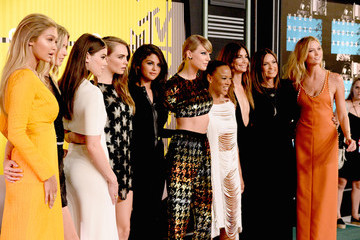 All the Looks from the 2015 MTV VMAs