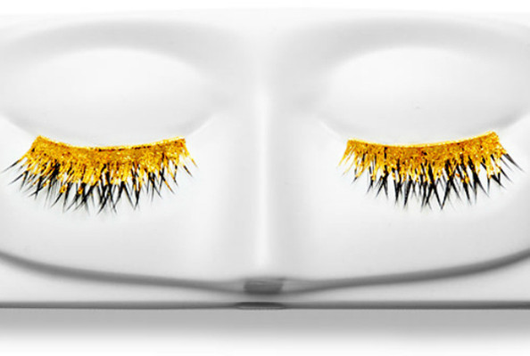 BEHOLD - Kre-At's 24-Carat Gold False Lashes