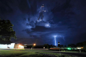 Do You See Michael Jackson in This Storm Cloud?