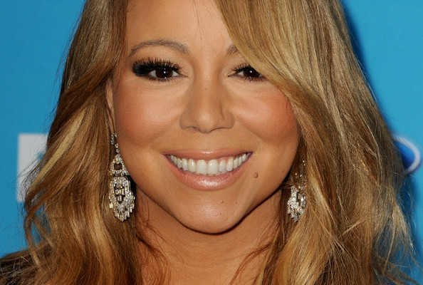 Cute Alert! Watch Mariah Carey Glitterbomb an 'American Idol' Contestant