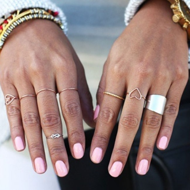 54 Hot Handscapes: How To Wear Stackable Rings With Style ...