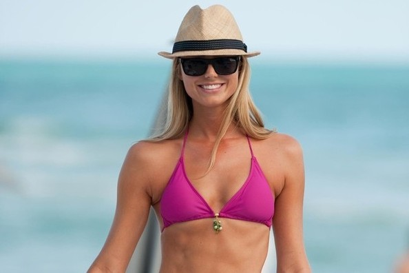 Stacy Keibler's (Really Hard) Ab Workout, Probiotics for Your Skin, and More