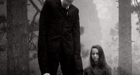 The First Trailer for HBO's 'Beware the Slenderman' Is Terrifying