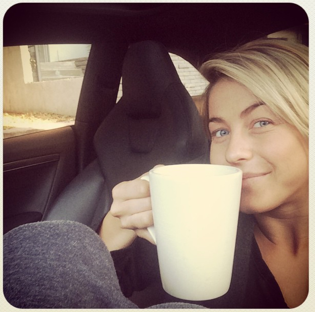 Nearly Naked! 40 Sexiest Celebrity Selfies/Twitter Pics Of ...