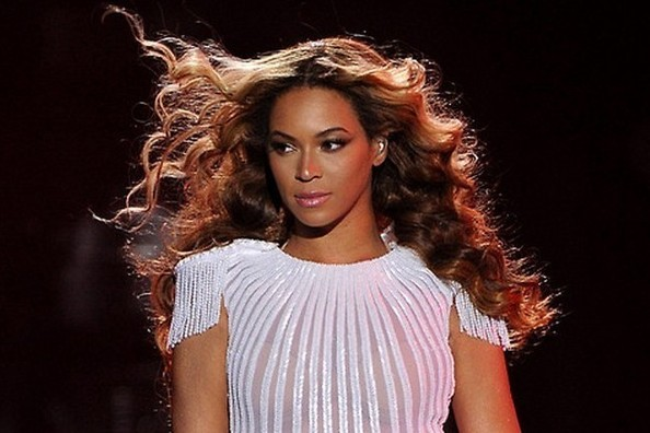 90 Seconds From The Mrs. Carter Show World Tour That'll Blow Your Mind [VIDEO]