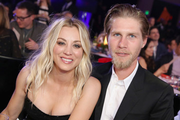 Show Us A More On-Brand Wedding: Kaley Cuoco Married Karl Cook At A Horse Stable