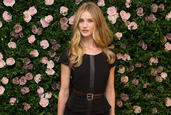 EPUX0kFwZOGl Look of the Day: Rosie Huntington Whiteleys LBD