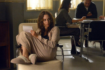'Pretty Little Liars' Photo Sneak Peek- Spencer Goes to Radley