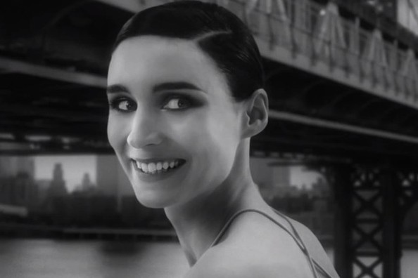 Rooney Mara's New Fragrance Ad, How to Take Beautiful Selfies, and More!