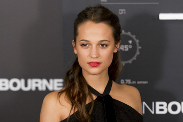 Check Out the First Photos of Alicia Vikander as Lara Croft