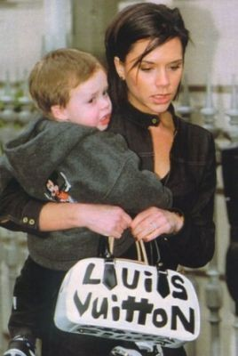 Even Victoria Beckham Buys Fake Handbags, Sometimes