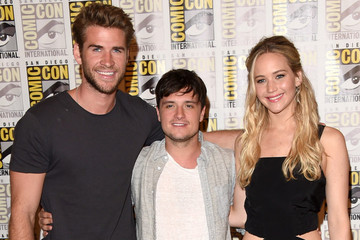 Jennifer Lawrence Personally Releases Final 'Mockingjay - Part 2' Poster
