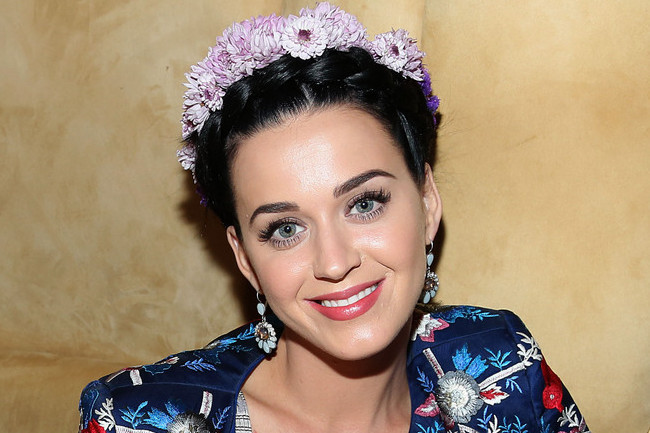 Katy Perry's Extremely Intense Vitamin Regimen, the Proven Way to Slow Skin Aging, and More