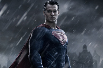 'Batman v Superman' Trailer Teases Surreal Showdown