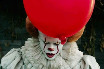 'It: Chapter Two' Finally Reveals The First Cast Photo Of The Adult Losers
