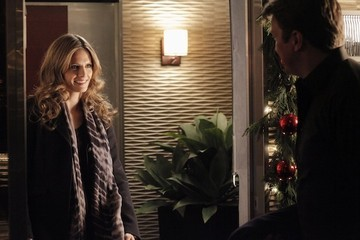 New 'Castle' Photos - Castle & Beckett's First Christmas