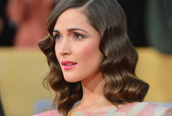 The Styling Secrets Behind Rose Byrne's Glossy Waves