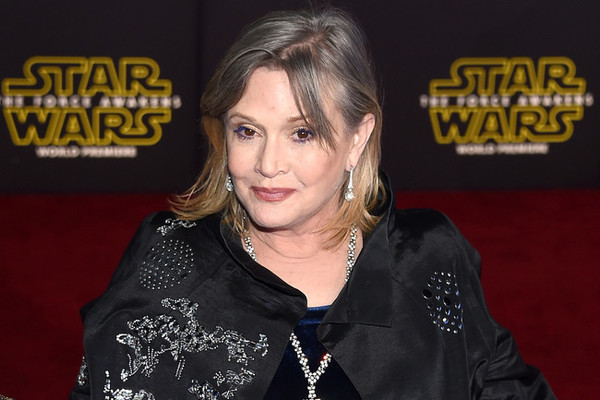 Carrie Fisher reportedly in critical condition after 'cardiac episode' on flight