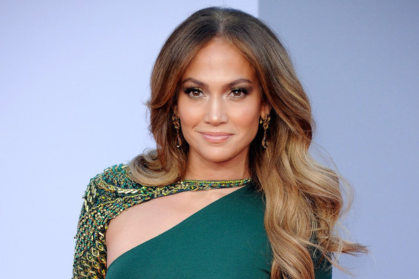JLo's Healthy Habits (and Body Image!), 10 Things That Are Slowing Your Metabolism, and More