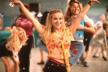 Reese Witherspoon Celebrates 15th Anniversary of 'Legally Blonde' With Beautiful Bend & Snap